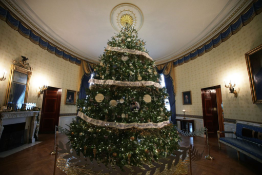 The Obama Family Final White House Christmas 1