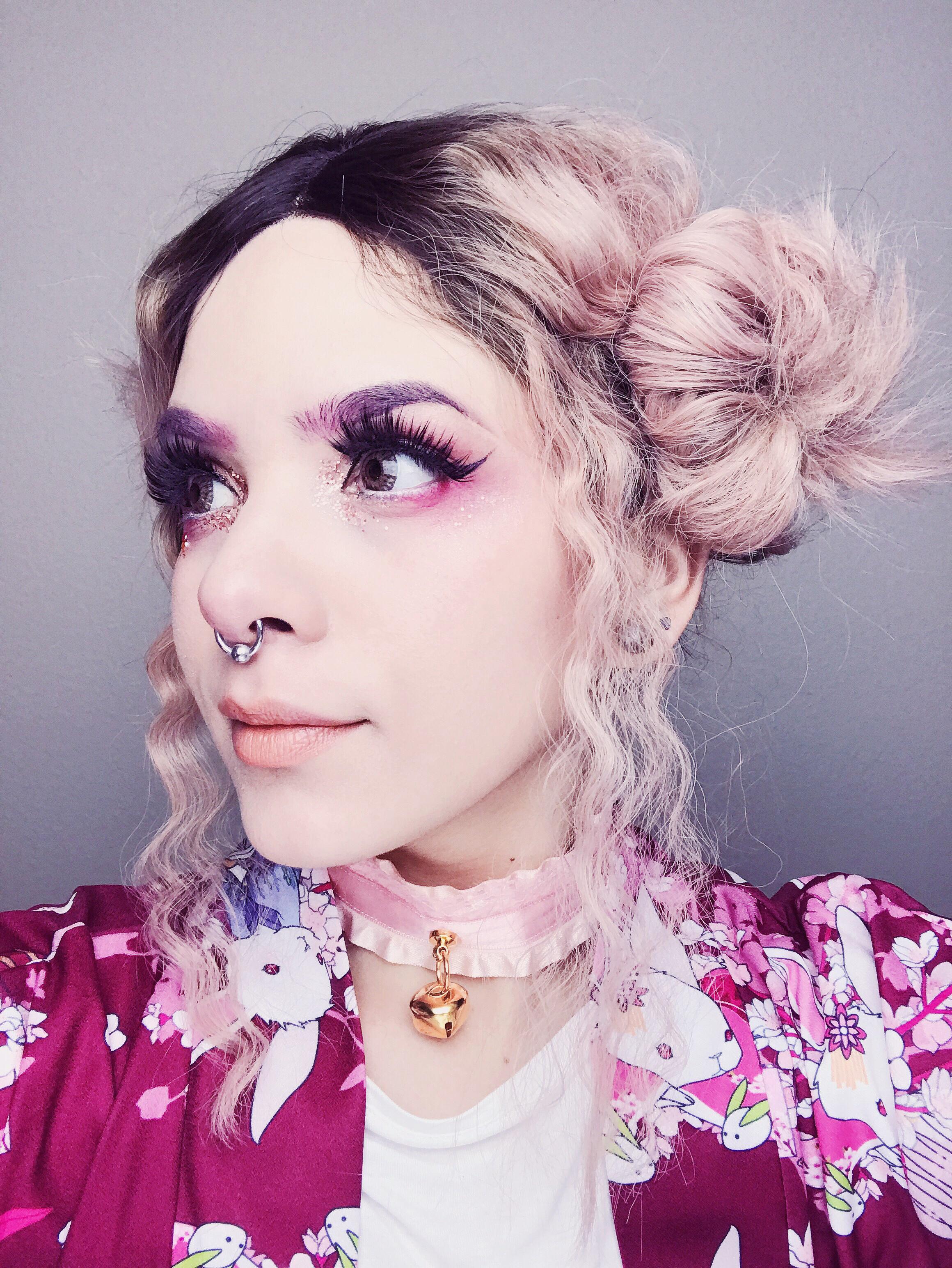 peach wig