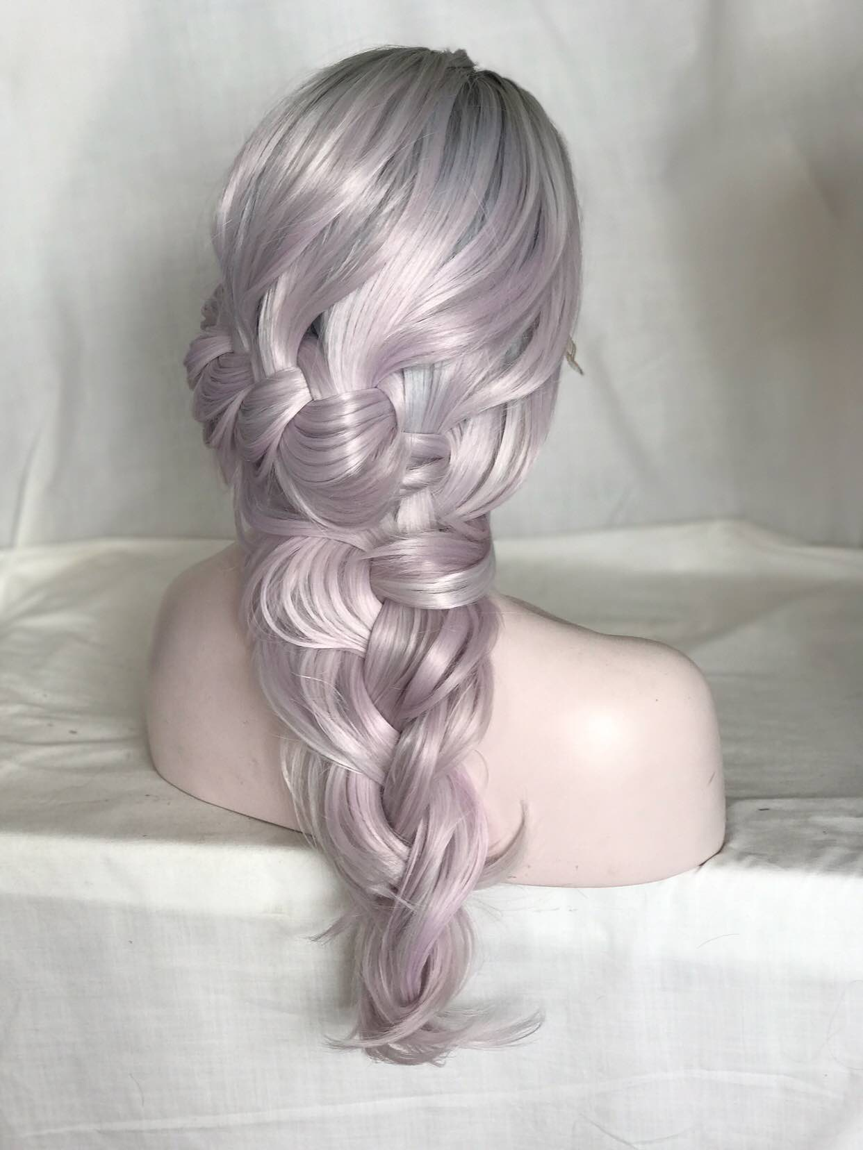 2017-uniwigs-trendy-new-arrival-ombre-lilac-wigs 03