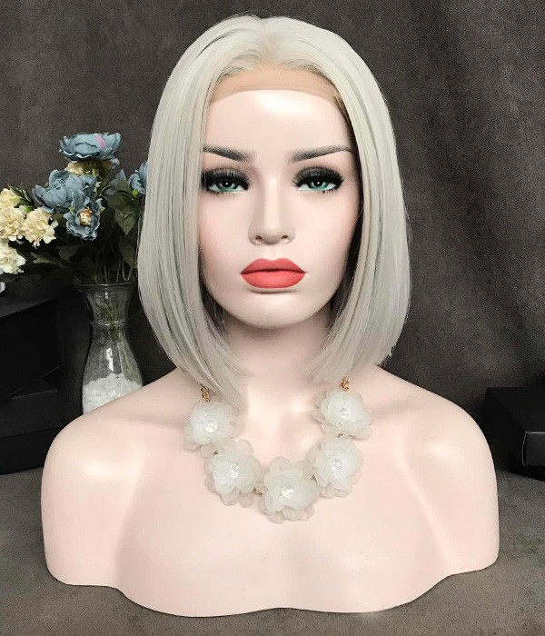 kylie-jenner-short-blonde-bob